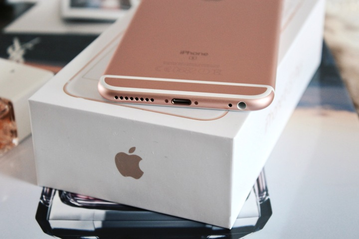 I Used My Old IPhone 5s For 3 Years Till Couldnt Use It Anymore Was Time A New And Better One Chose The 6s Plus Rose Gold